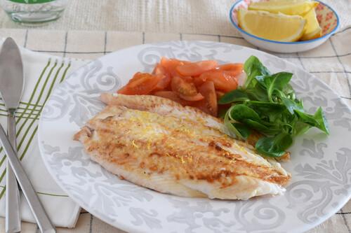 Lenguado a la plancha al limón: receta saludable fácil y rápida para una cena ligera rica en proteínas