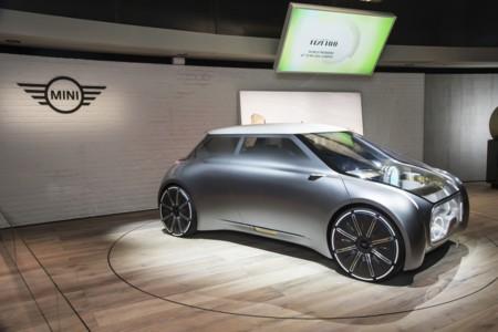 MINI Vision Next 100, BMW se da otro regalo de cumpleaños eléctrico y autónomo