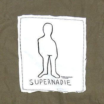 Cromosomos, camisetas solidarias y famosas