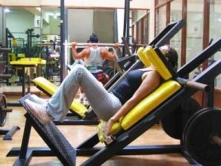 Trabajar las piernas en prensa vertical inclinada, algunos consejos