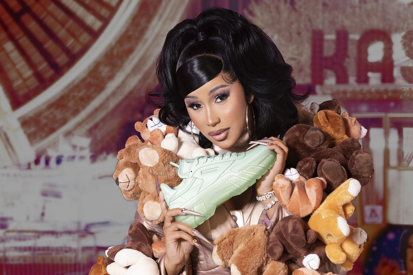 Cardi B Returns From the Hand of Reebok and Launches a Collection