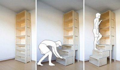 StairCASE de Danny Kuo: estantería y escalera
