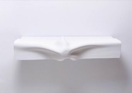 Lo más: muebles esculturas de HI-MACS® para reivindicar los derechos humanos