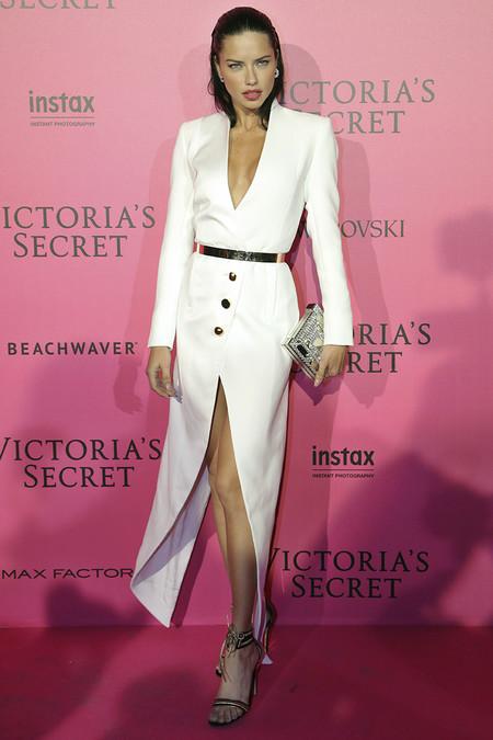Victorias Secret Fiesta Posterior After Party Pink Carpet 2016 6