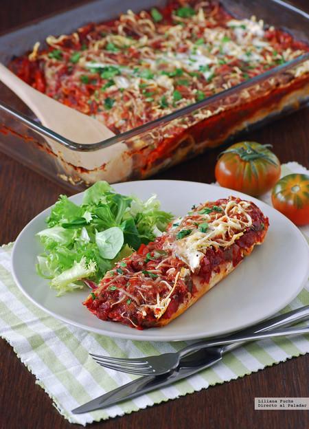 Enchiladas de pollo asado y salsa de tomate