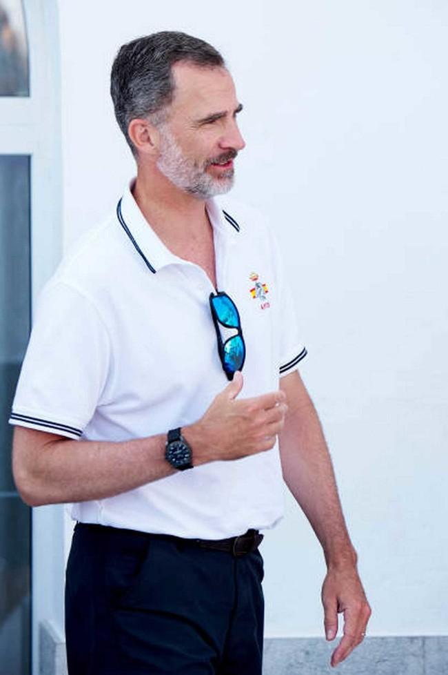 De Polo Y Menorquinas El Rey Felipe Sabe Como Vestir En Verano Con El Mejor Look Que Querras Llevar 3