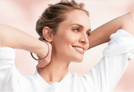 Clarins lanza dos tratamientos tensores y una línea masculina para el rostro, ¡cuidados para todos!