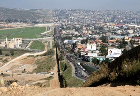 México impone restricciones al tránsito terrestre en las fronteras norte y sur del 19 de marzo al 21 de abril por COVID-19