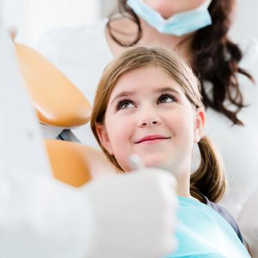Si tu hijo ha cumplido seis años, es hora de hacer una primera visita al ortodoncista