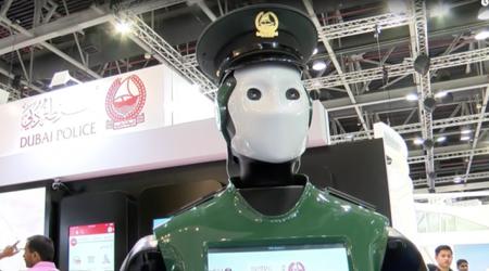 Robot Policia Dubai 2