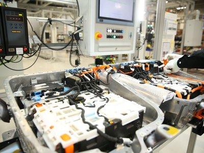 BMW inauguró una nueva fábrica de baterías en China