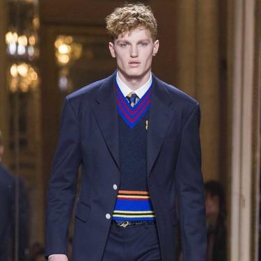 Llevar el uniforme deportivo a la oficina es posible con éste suéter en tendencia para el invierno