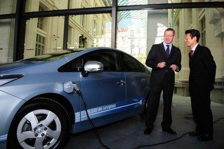 Toyota Prius Plug-in Hybrid y Alberto Ruiz Gallardon
