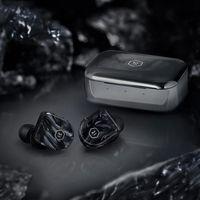 Master & Dynamic renueva su catálogo de auriculares con el MW07 Plus, un modelo in-ear inalámbrico para usar en movilidad