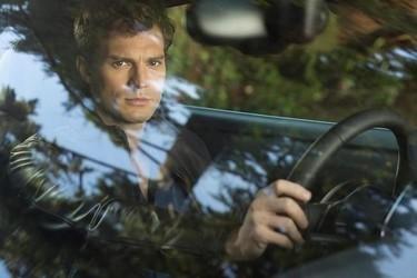 Christian Grey nos espera en su coche ¿subimos?