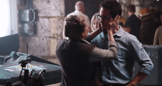 Carrie Fisher con J.J. Abrams durante el rodaje