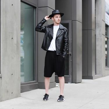 Blanco y negro nada más: la combinación que triunfa en el mejor street style de la semana