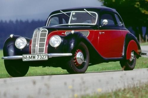 Todo lo que debes saber para no arruinar el auto clásico que estás restaurando