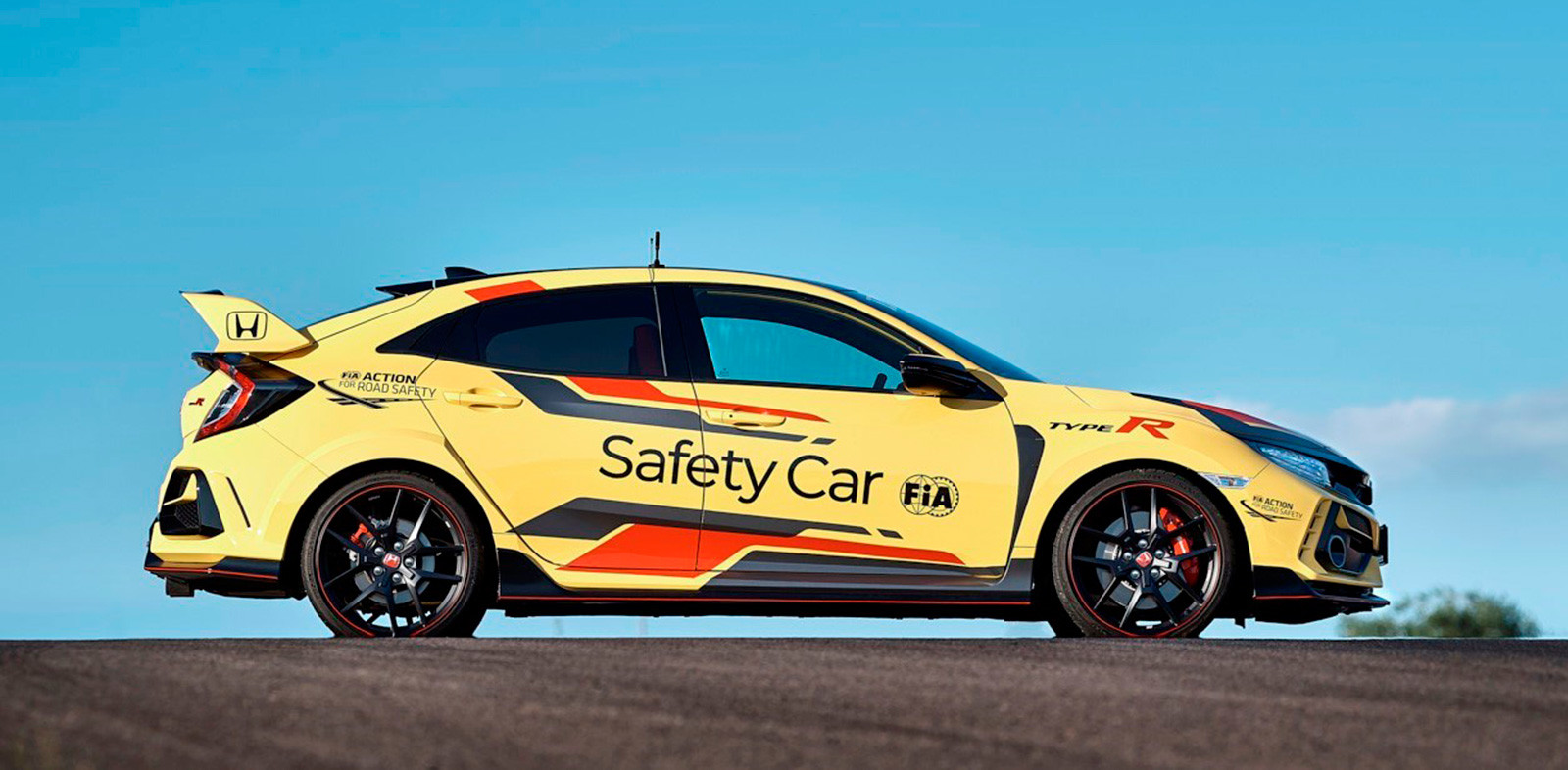 Foto de Honda Civic Type R Limited Edition Safety Car WTCR 2020 (1/9)