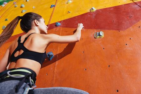 Escalar duro contra el muro