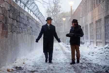 Spielberg con Tom Hanks en el rodaje de El Puente de los Espías