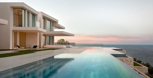 Casa Sardinera, una casa increíble a orillas del mar firmada por Ramon Esteve
