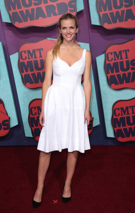 Brooklyn Decker CMT Music Awards 2014