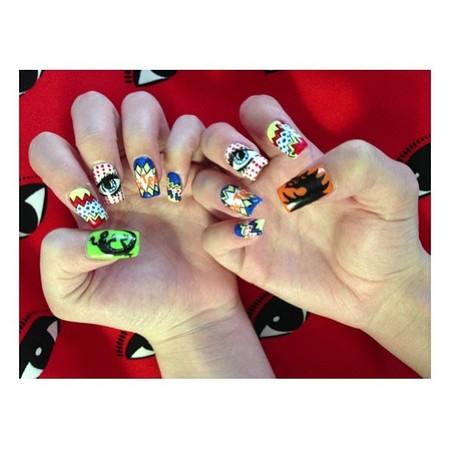 Hailee Steinfeld nail art