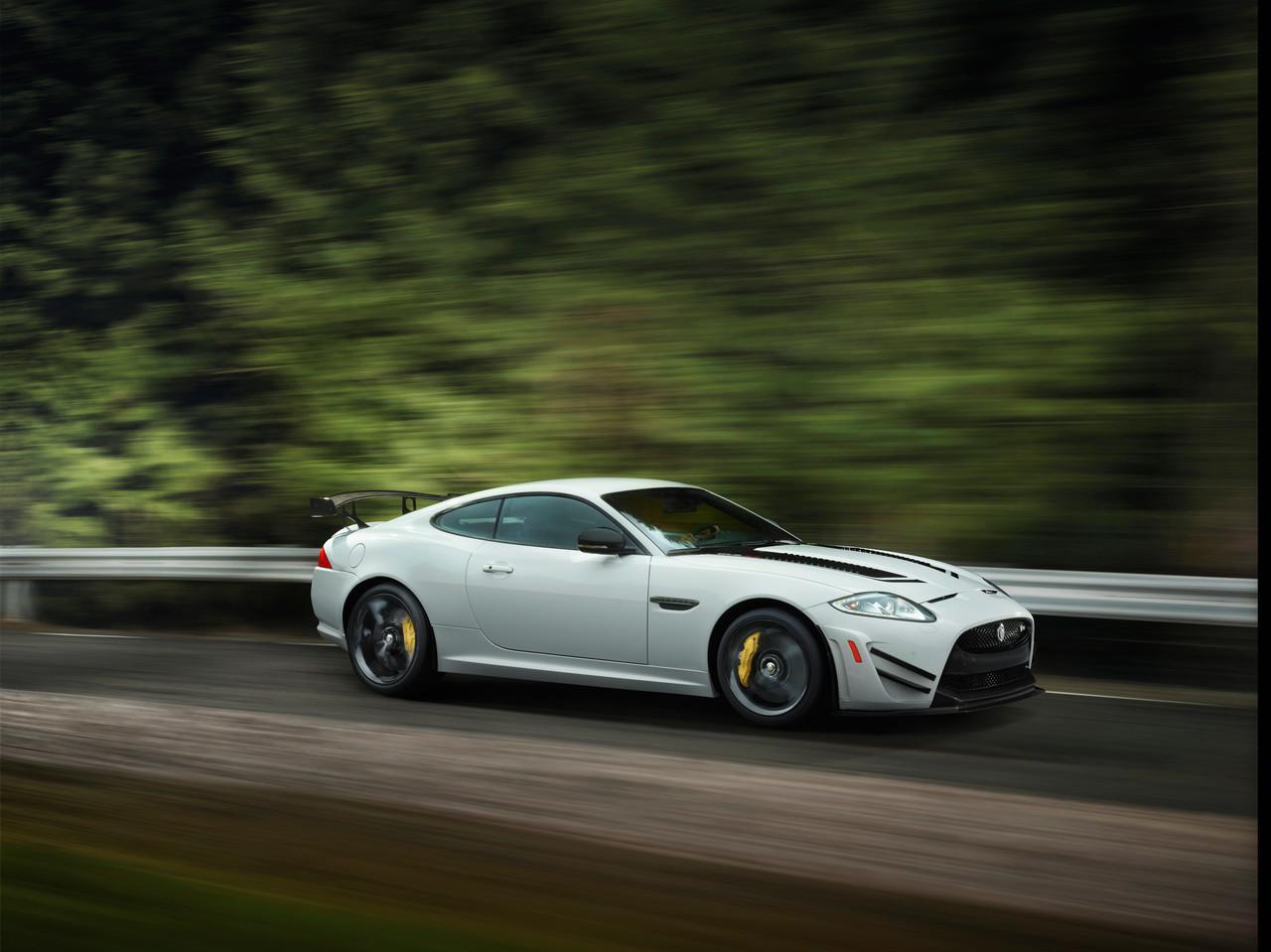 Foto de Jaguar XKR-S GT (18/20)