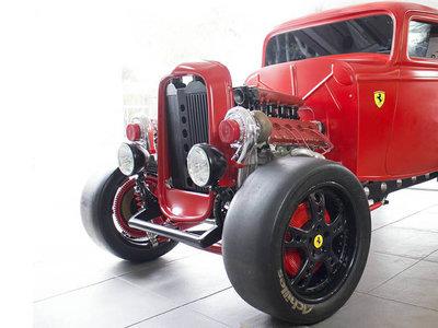 Este hot rod Ferrari de 950 CV es probablemente lo más extraño que verás hoy