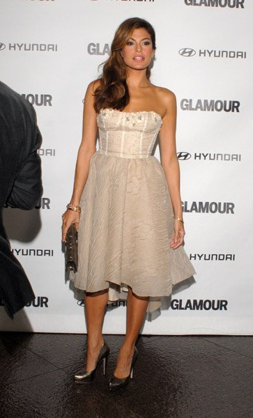 Eva Mendes en los Glamour Reel