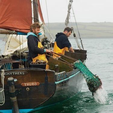 El incierto destino de la última flota de pesca a vela de Europa