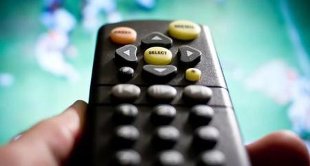48% de los usuarios que ven televisión interactuan simultaneamente con medios digitales: TNS