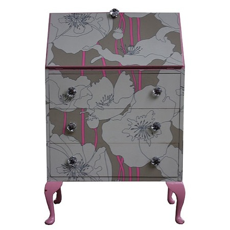 secreter rosa y gris bryony porter