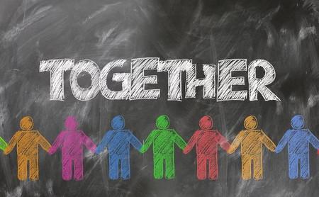Cómo mediar en los conflictos entre compañeros de trabajo para mejorar el ambiente laboral
