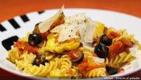 Receta de pasta con alcachofas, tomate y aceitunas negras