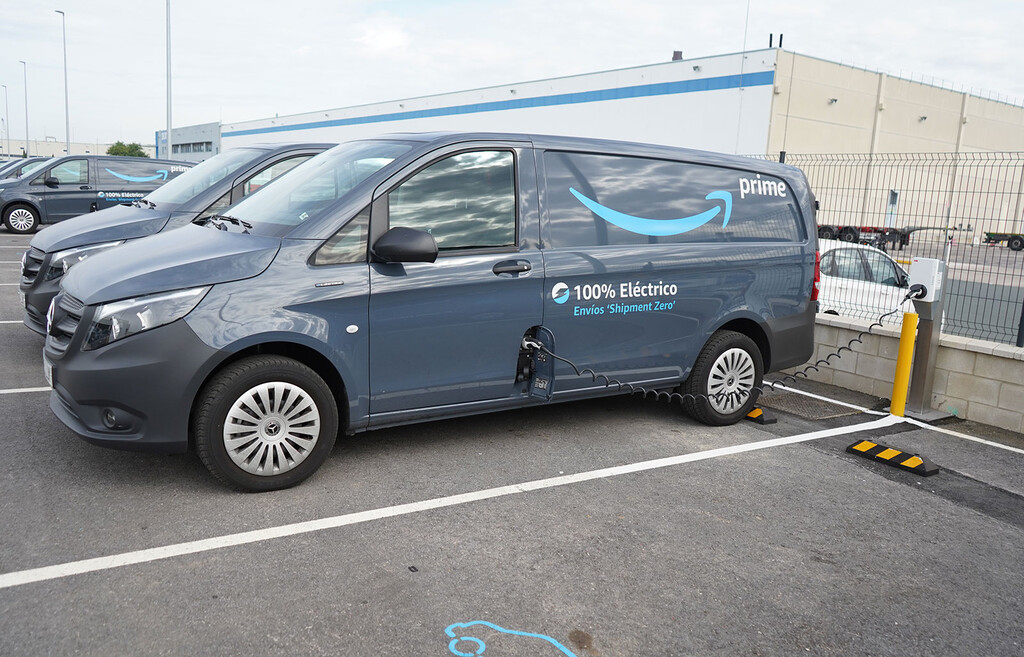 Amazon España incorpora 60 furgonetas eléctricas Mercedes-Benz eVito para entregas de última milla libres de emisiones