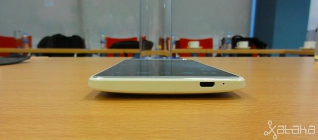 Foto de HTC One max, diseño (3/7)