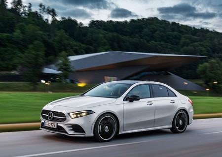 Mercedes Benz A Class Sedan 2019 1600 07
