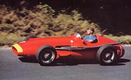 Fangio, Colin Chapman y Gilles Villeneuve. Siempre en la memoria.
