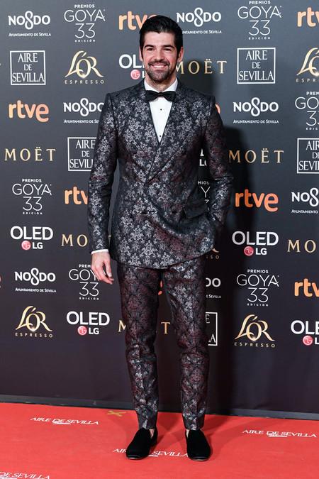 Miguel Angel Munoz Se Entrega A Un Look Clasico Para Los Premios Goya 2019 2