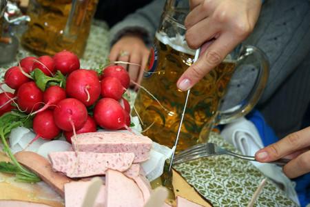 Olvida los planes románticos y festeja el Día del Amor y la Amistad en el Festival Gastrocervecero del Centro de la CDMX