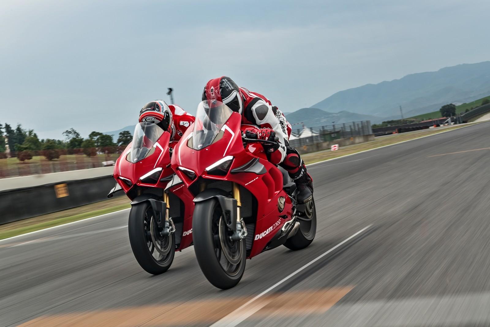 Foto de Ducati Panigale V4 R 2019 (13/87)