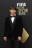 Leo Messi de Dolce&Gabbana en la entrega del Balón de Oro 2010