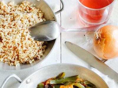 Tofu asado con rajas y cebolla. Receta saludable sencilla