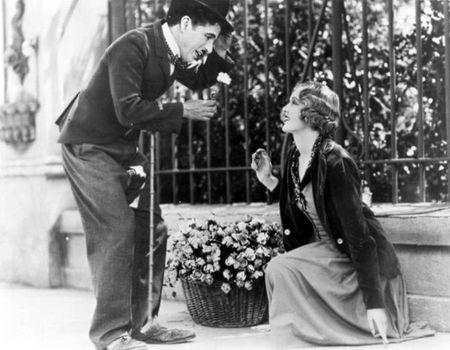 El amor en 32 películas (III): 'Luces de la ciudad' de Charles Chaplin