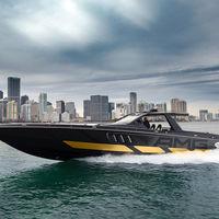 ¡A todo lujo! Este barco deportivo lleva sello Mercedes-AMG, con seis motores V8 y 2.700 CV de potencia