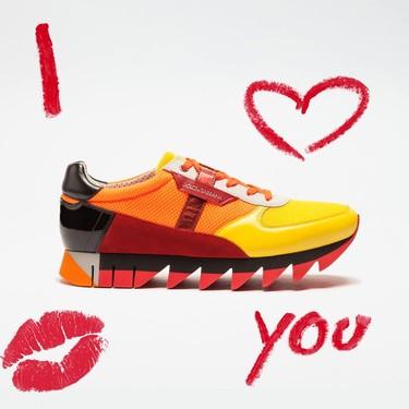 Sobre las sneakers de Dolce&Gabbana se alza ya la revuelta colorista de una nueva primavera