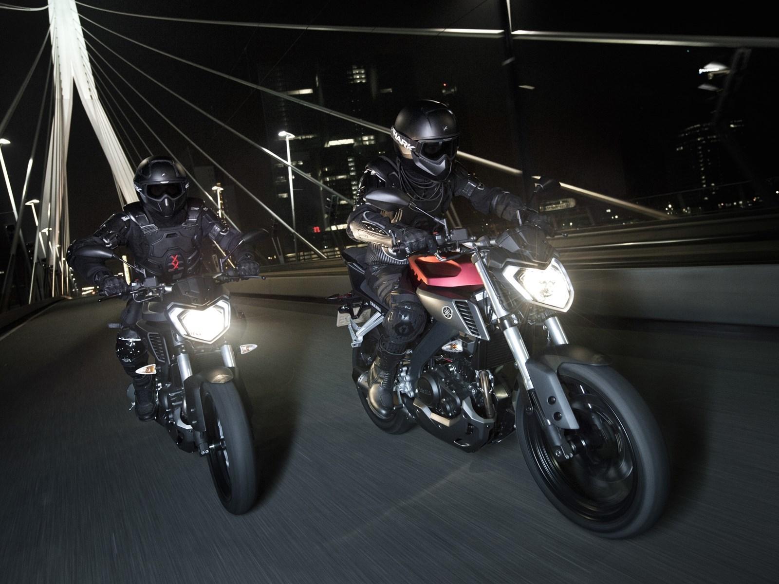 Foto de Yamaha MT-125 en acción (16/17)