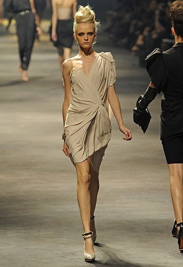 Foto de Lanvin, Primavera-Verano 2010 en la Semana de la Moda de París (7/15)